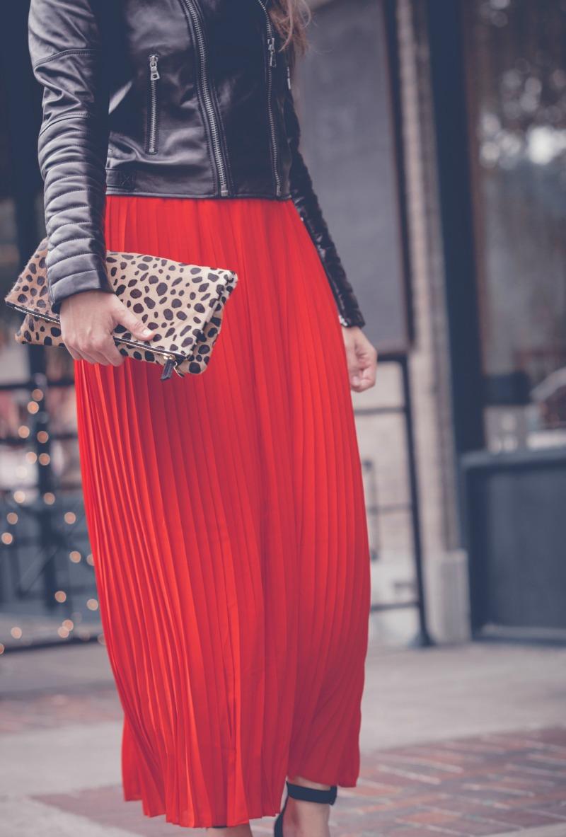 HOLIDAY SEQUINS, Clare Viver Leopard Clutch, Chicwish Pleated Maxi Skirt
