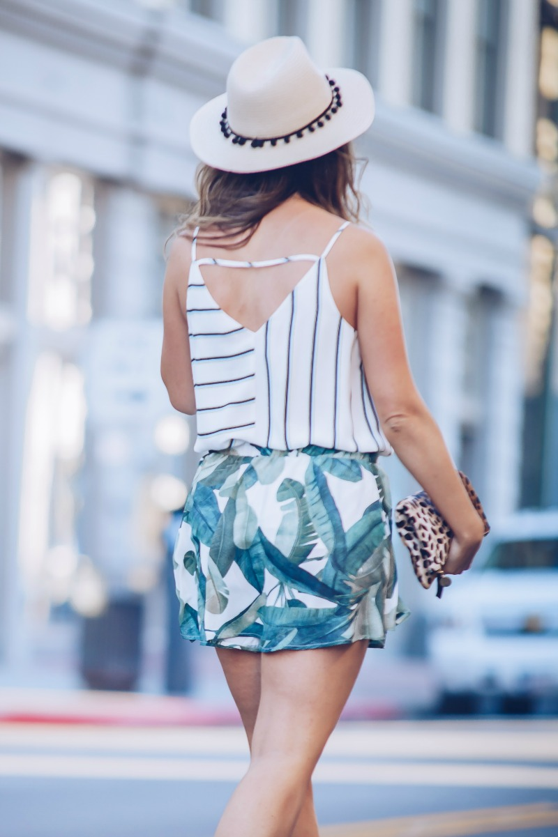 PATTERN MIXING STRIPES AND PALM PRINT